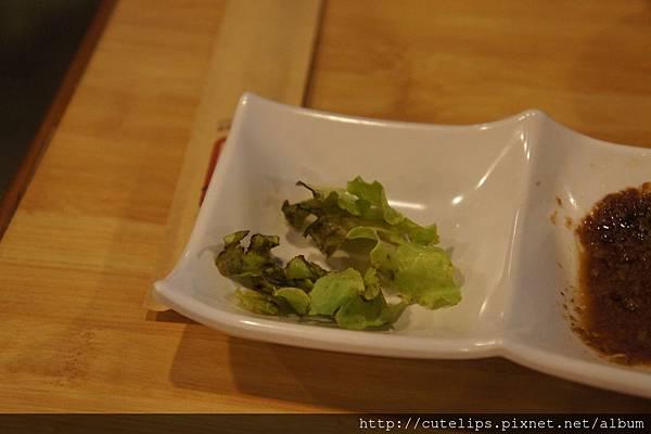 這是一小部分爛掉的菜葉