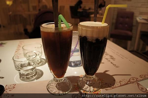 英倫冰鎮紅茶&優選綜合冰咖啡