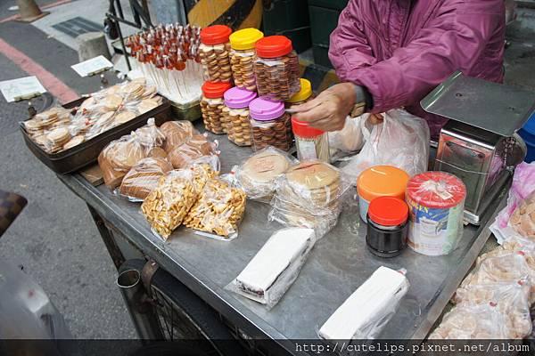 小卷米粉外賣麥芽糖、餅乾