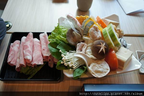 梅花豬肉&基本菜盤