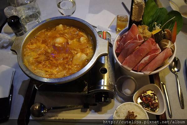 韓式泡菜豬肉火鍋