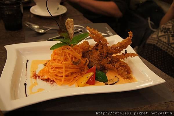 法式軟殼蟹海膽醬義大利麵