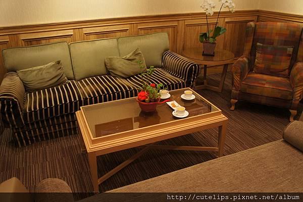 翰品酒店休息室