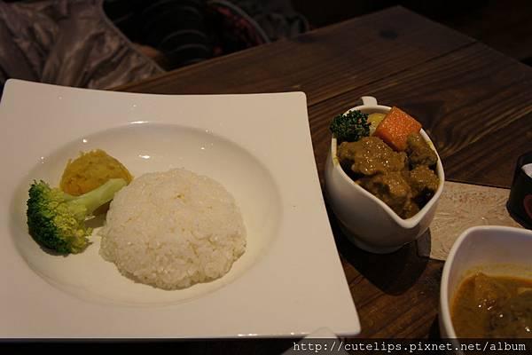 椰香黃金豬咖哩