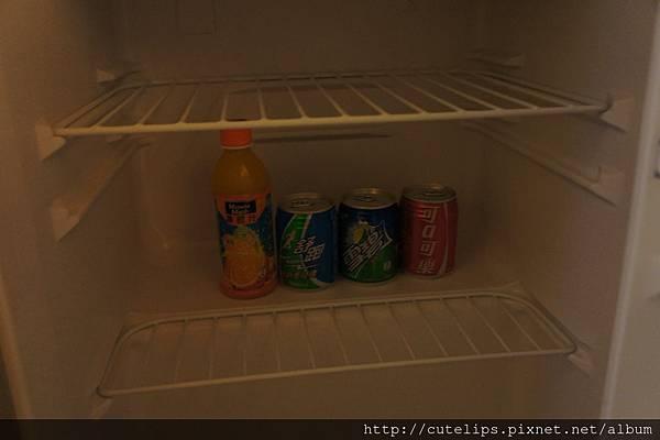 冰箱內免費的飲料