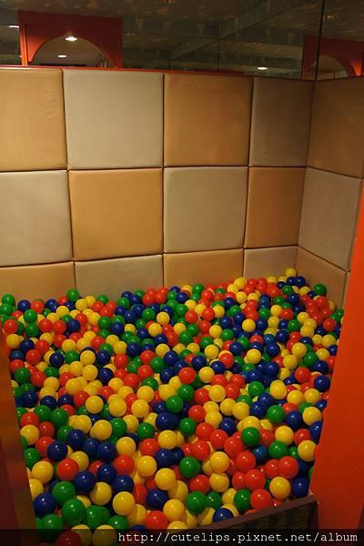 親子樂園-球池