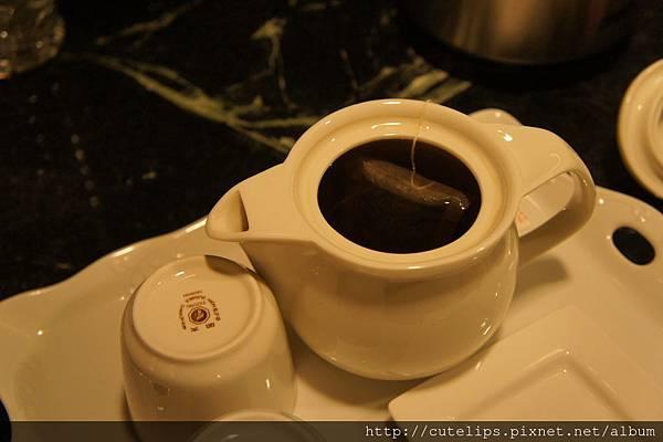 晚上回房間後~有一壺泡好的熱茶