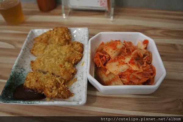 黃金豬排&韓式泡菜