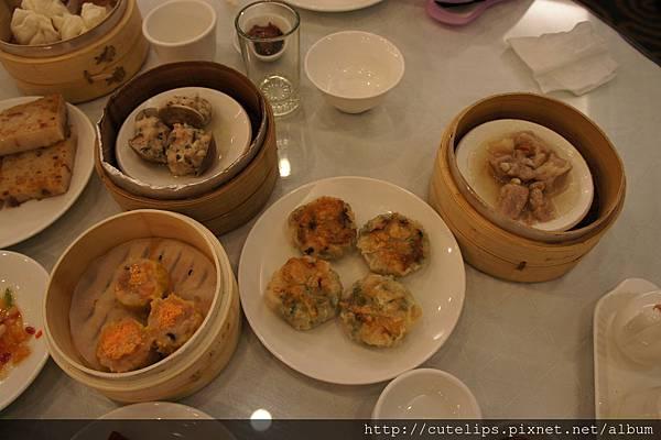 蛤蜊燒賣、魚子燒賣、樹子蒸排骨&香煎韭菜餃102/6/23
