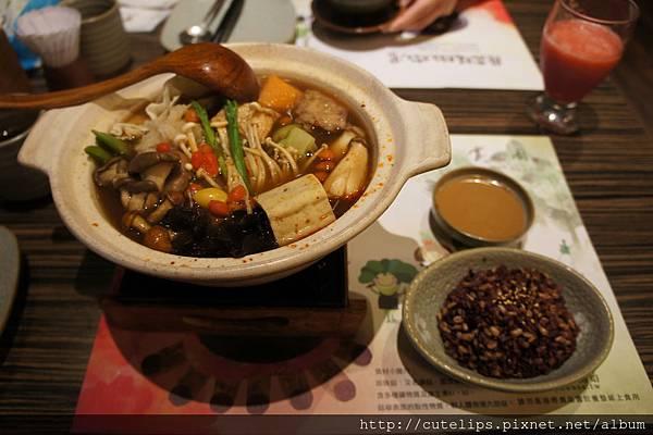 川蜀麻辣鍋&四寶飯