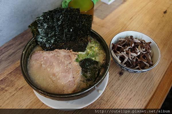 豚骨拉麵+黑木耳絲