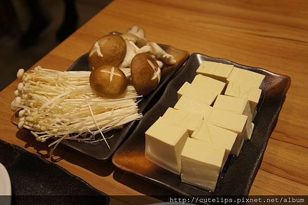菇類拼盤&嫩豆腐