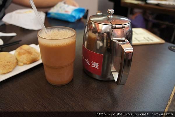 絲襪奶茶&免費的熱普洱茶