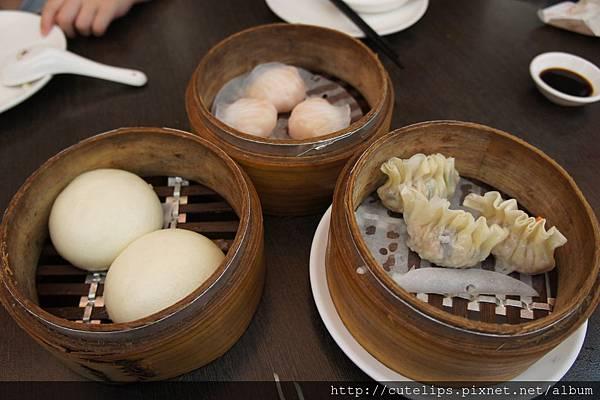蝦餃皇、黃金流沙包&鮮肉魚翅餃
