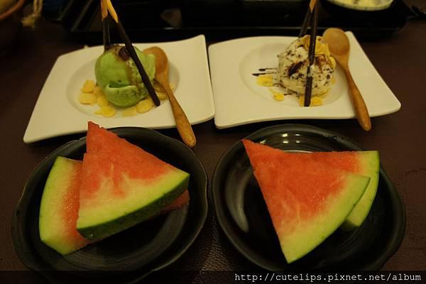 紅豆抹茶冰淇淋&脆迪香草巧克力冰淇淋、水果
