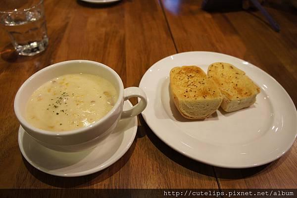 玉米濃湯&蒜香烤麵包