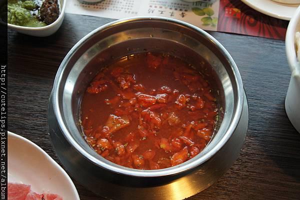香茅義式番茄湯底