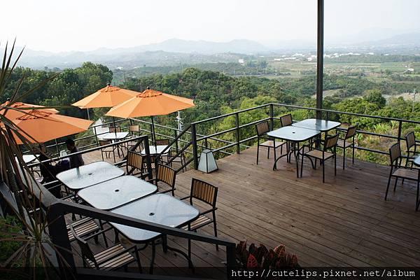 樹屋咖啡戶外用餐區