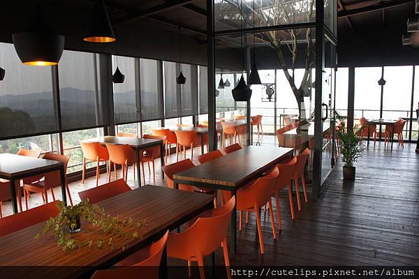 樹屋咖啡室內用餐環境