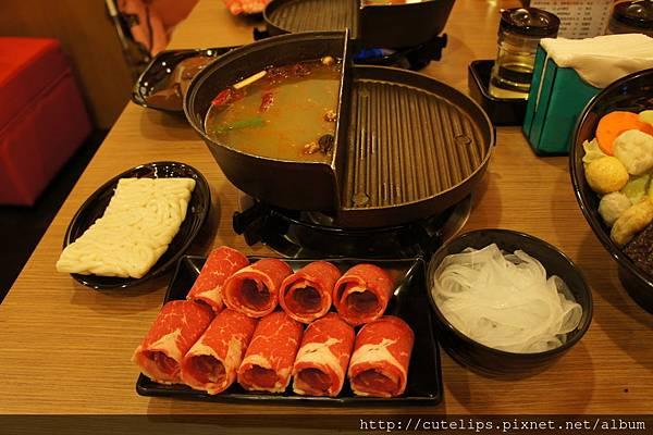蒙古香辣鍋(牛肉)+烏龍麵