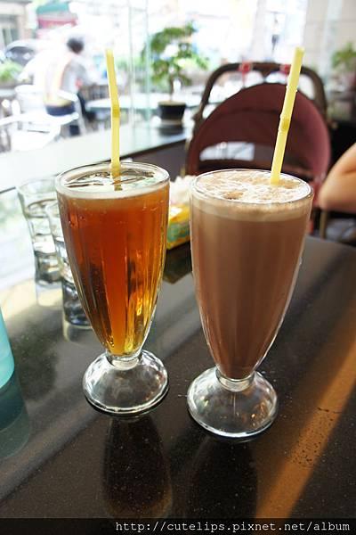 綠茶&巧克力奶茶103/9/27
