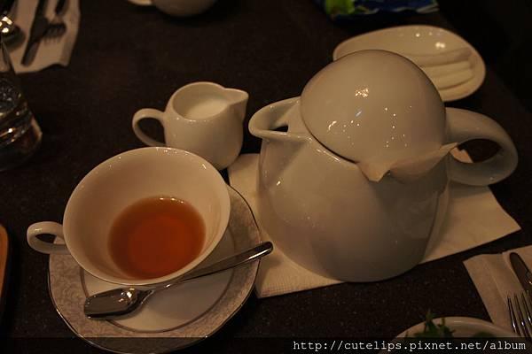熱伯爵茶(附牛奶)