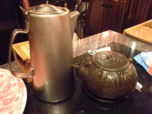 熱茶及烏梅汁