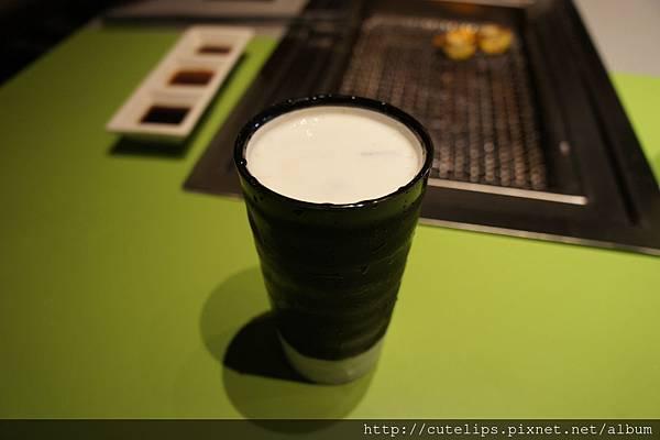 奶霜紅茶(冰)