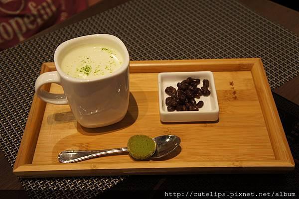 飲料-熱抹茶紅豆牛奶