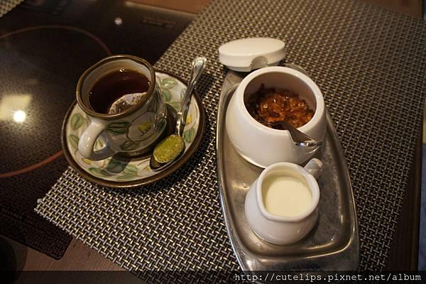飲料-特選錫蘭熱奶茶