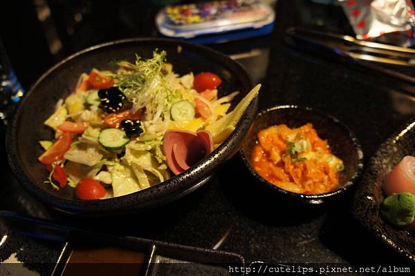 野菜(胡麻醬)&韓式泡菜