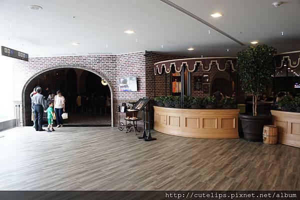 南紡夢時代5樓店面外觀