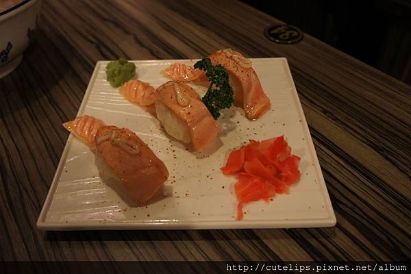 極鮮炙燒鮭魚腹