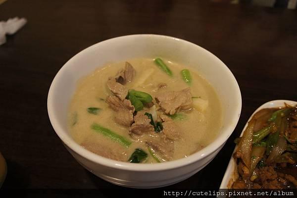 綠咖哩豬肉