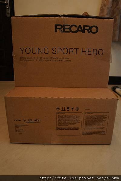 Recaro Young Sport Hero外箱