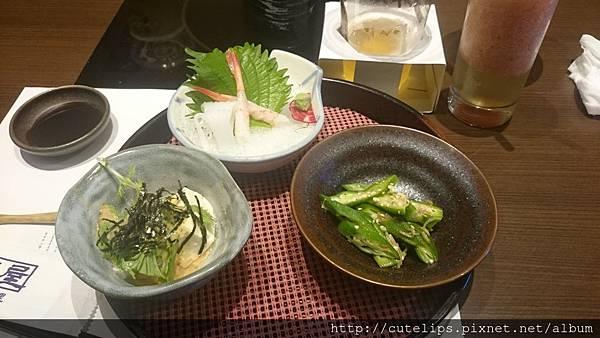 先付B-京水菜胡麻豆腐、金茸秋葵、透抽&甜蝦魚刺104/7/19身