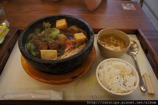 石鍋牛腩煲