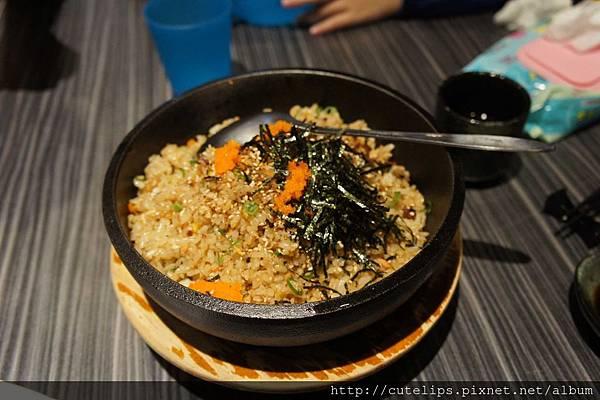 鮭魚石鍋飯