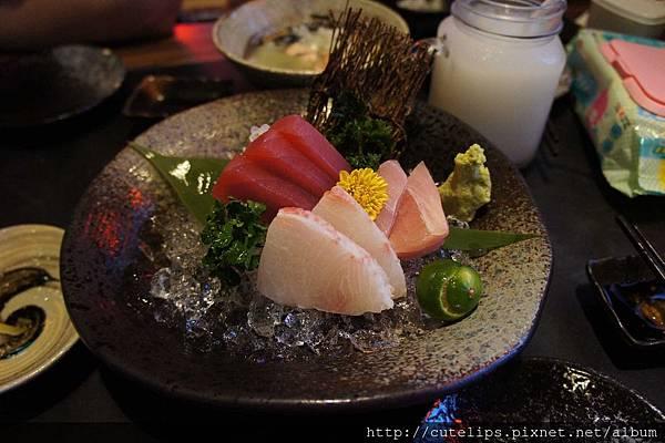 盛合生魚片