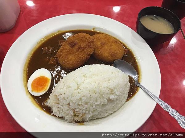 北海道馬鈴薯玉米卡樂餅咖哩飯
