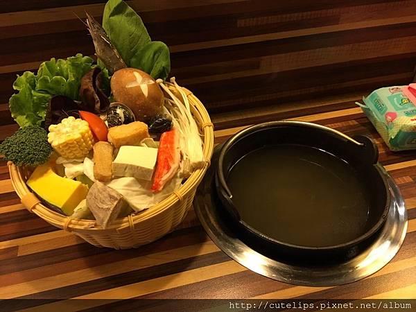 湯頭-鮮美昆布&新鮮菜盤