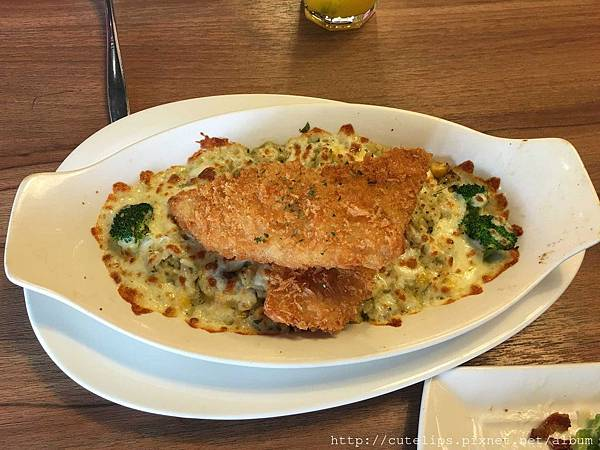 單點-泰式綠咖哩焗飯佐魚排