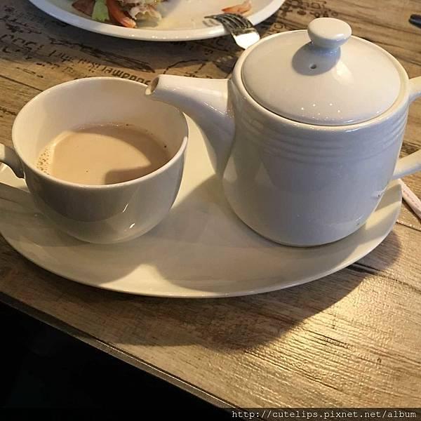 英式鮮奶茶