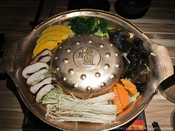 銅盤烤肉基本配菜
