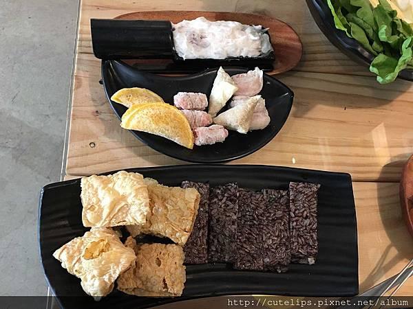 花枝漿(單點)、手工餃類&豆皮米血