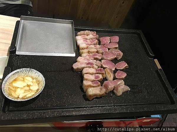 桌邊服務烤肉
