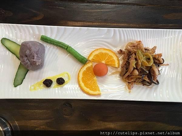 500元無菜單料理-泡菜魷魚+芋香包