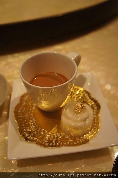 餐後甜點-甜奶茶+荔枝凍