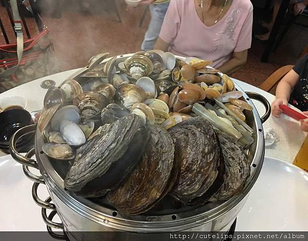 海鮮鍋第一層