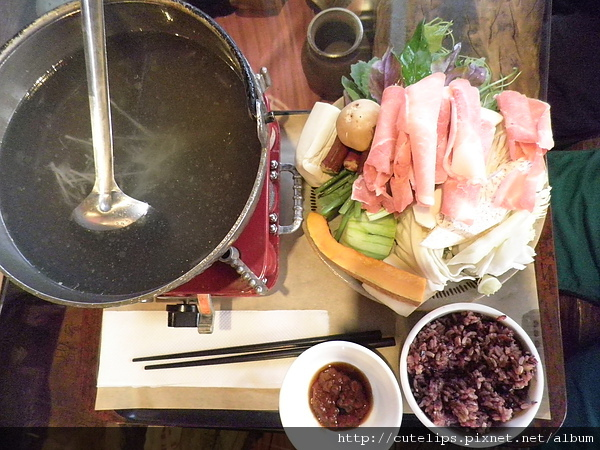 狗尾草野菜鍋